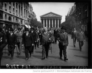 Charles Maurras et Léon Daudet au défilé à Sainte Jeanne d'Arc
